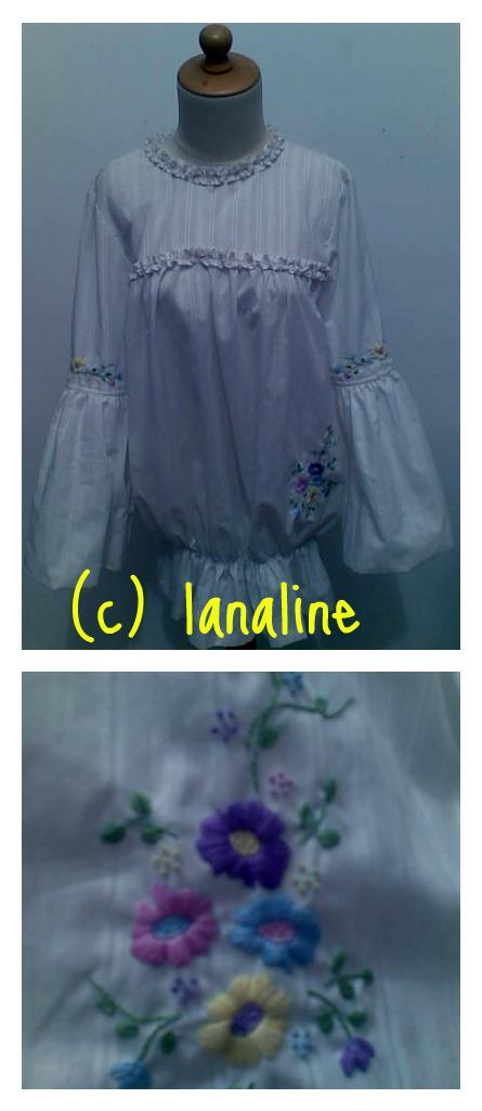 blouse putih sulam benang lengan balon, cuakep banget sulamannya (koleksi www.lanaline.com ) :)
